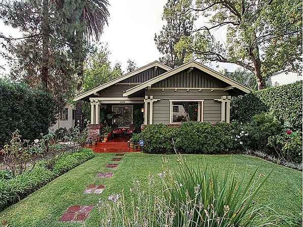 What a beautiful and totally perfect little bungalow! 1914 Bungalow – Pasadena, CA – $665,000