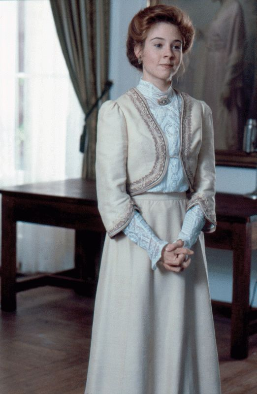 Anne of Avonlea...I love this outfit!