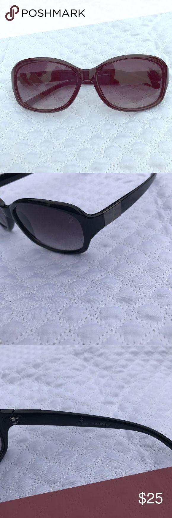 JLo by Jennifer Lopez Black Sunglasses Almost new. No noticeable damage. Jennifer Lopez Accessories Glasses