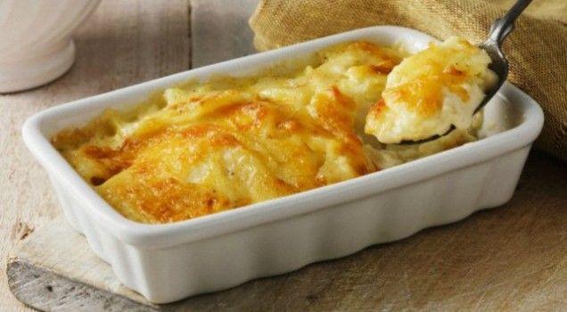 Πατάτες με μπεσαμέλ και γιαούρτι στο φούρνο