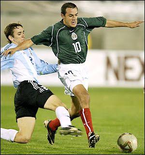 Cuauhtémoc Blanco vs Argentina. Primer partido de Ricardo La Volpe como DT de México y primera vez que la selección usaba Nike.