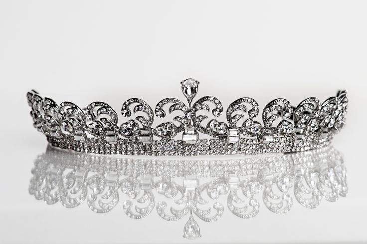 Kate tiara. A copy of the one Kate Middleton wore on her wedding day