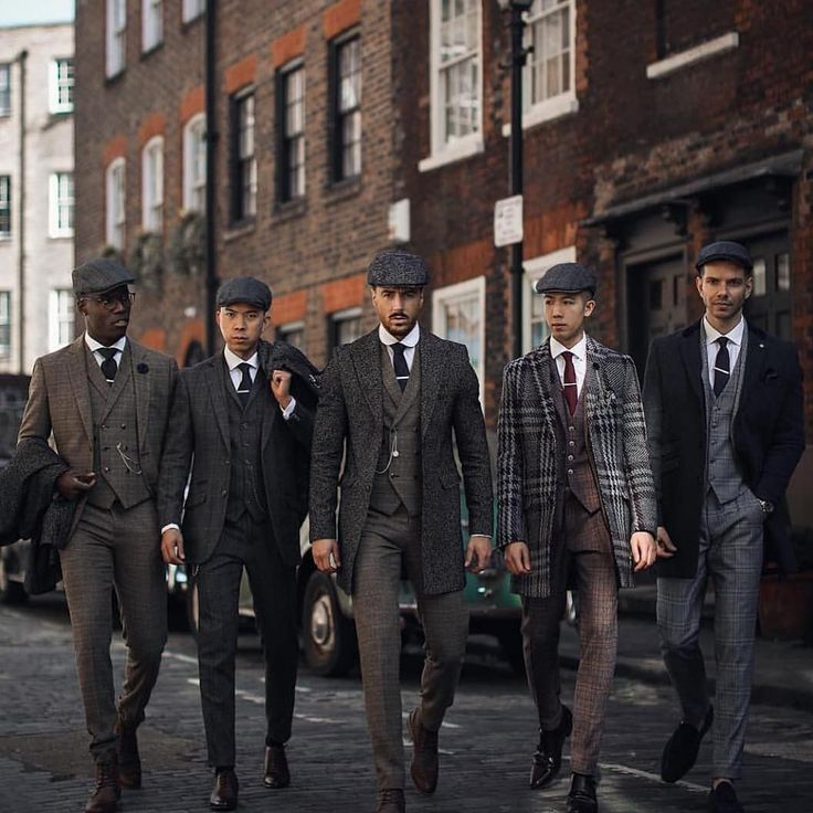 Stylish gents! Reposted from @menslaw –  Peaky Blinders style  Rowan Row . . #rm…
