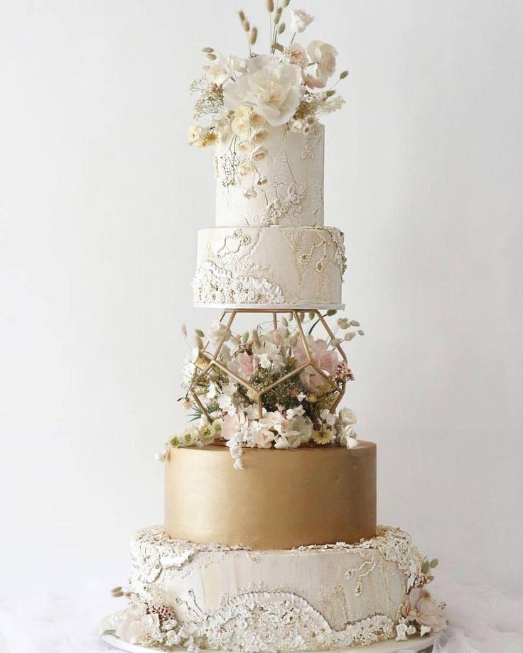 47 unique take on traditional white wedding cake 42 Wedding #Wedding#Cakes