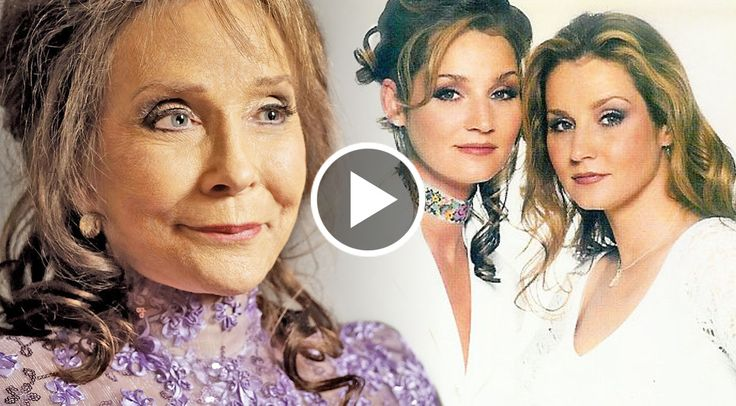 Loretta Lynn definitely gave her twin daughters, Peggy Lynn and Patsy Lynn, the talent gene! These ladies are on fire, and Loretta must me one proud...