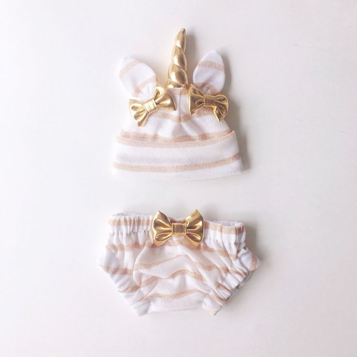 Omg. Cutest thing ever!!! Unicorn Baby Hat & Bloomers Set ON SALE by lovewhatsmissing on Etsy https://www.etsy.com/listing/294964413/unicorn-baby-hat-bloomers-set-on-sale