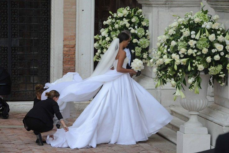pin auf beautiful bridal gowns