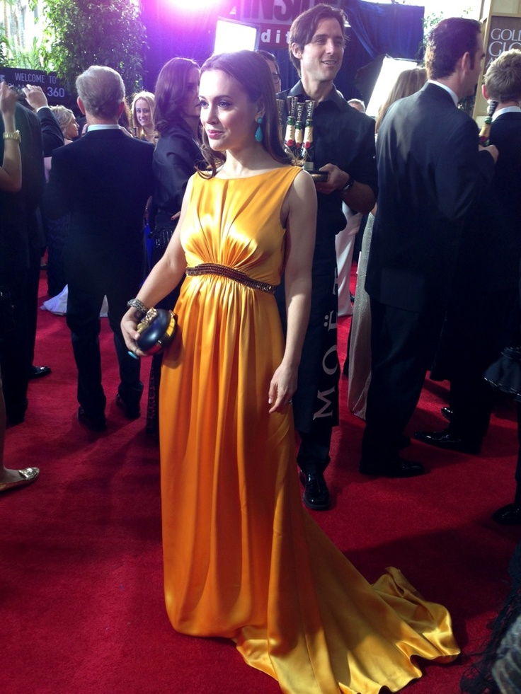 Alisa Milano #Charmed #redcarpet #celebrity #fashion #style #mensfashion #makeup #celebrityfashion  #Goldenglobes  http://mob.li/_oluwq
