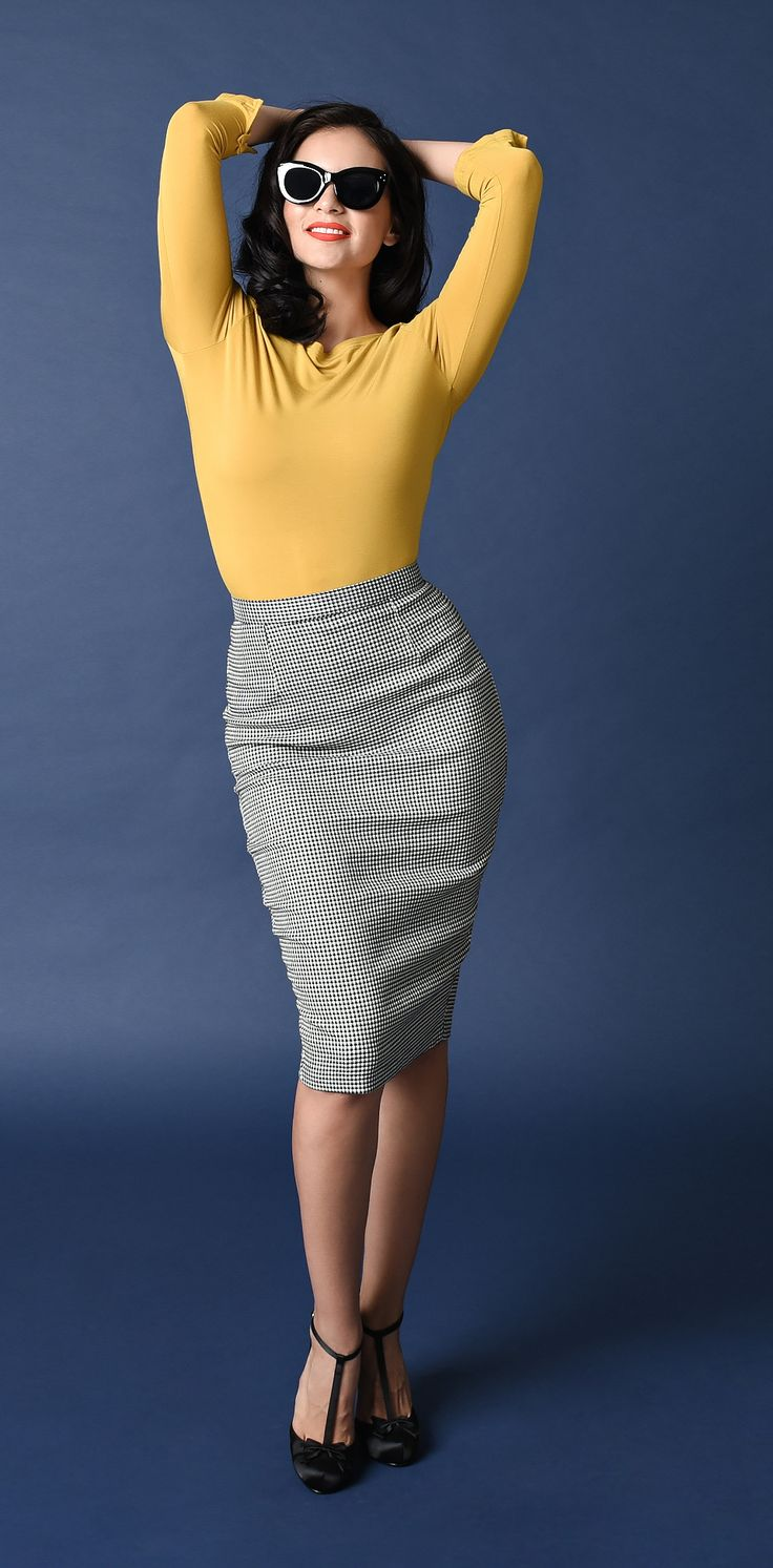 Penciled perfection!  Hell Bunny 1950s Style Houndstooth Jackson Pencil Skirt