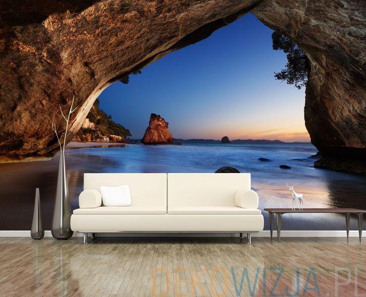 Fototapeta optycznie powiększająca do salonu z widokiem z jaskini