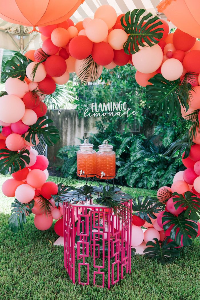 Summer Party Decorations: Tropical Flamingo Pool Party