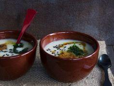 Weiße Gemüsecremesuppe ist ein Rezept mit frischen Zutaten aus der Kategorie Gemüsesuppe. Probieren Sie dieses und weitere Rezepte von EAT SMARTER!
