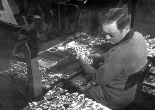 Caricaturista de origen Italiano y nacionalizado argentino. Quirino Cristiano incursionó en la animación en 1915 cuando  Federico Valle, poseedor de un estudio cinematográfico, lo contrato para que dibujara caricaturas, pero con la condición que estos tuvieran movimiento. Para esto desarrolló una técnica que lo animó a realizar el primer largometraje animado de la historia, El Apóstol. En 1918 realizó Sin dejar rastros. En 1931 estrenó Peludópolis, el primer largometraje de animación sonoro.
