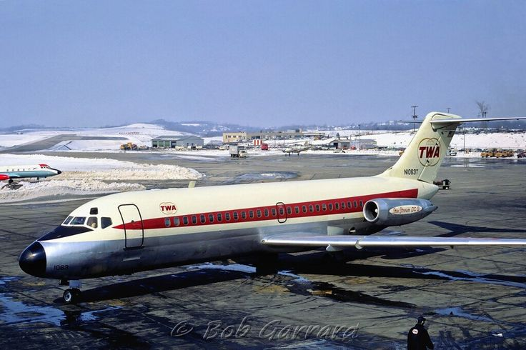 Mid-air collision: TWA Flight 553 & Private Beechcraft Baron (1967)…