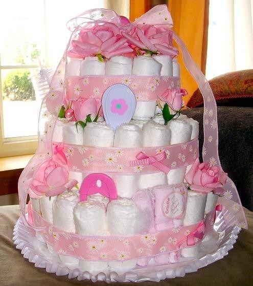 Как сделать торт из памперсов с детской одеждой