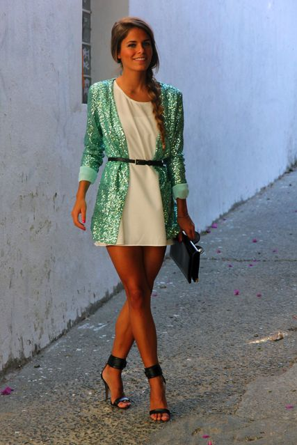 beautiful summer night out outfit. This is actually Cute, even though I don't wear sequin stuff Much, but I would wear this. Mode / Femme / Robe / Gilet / Paillette / Été / Summer