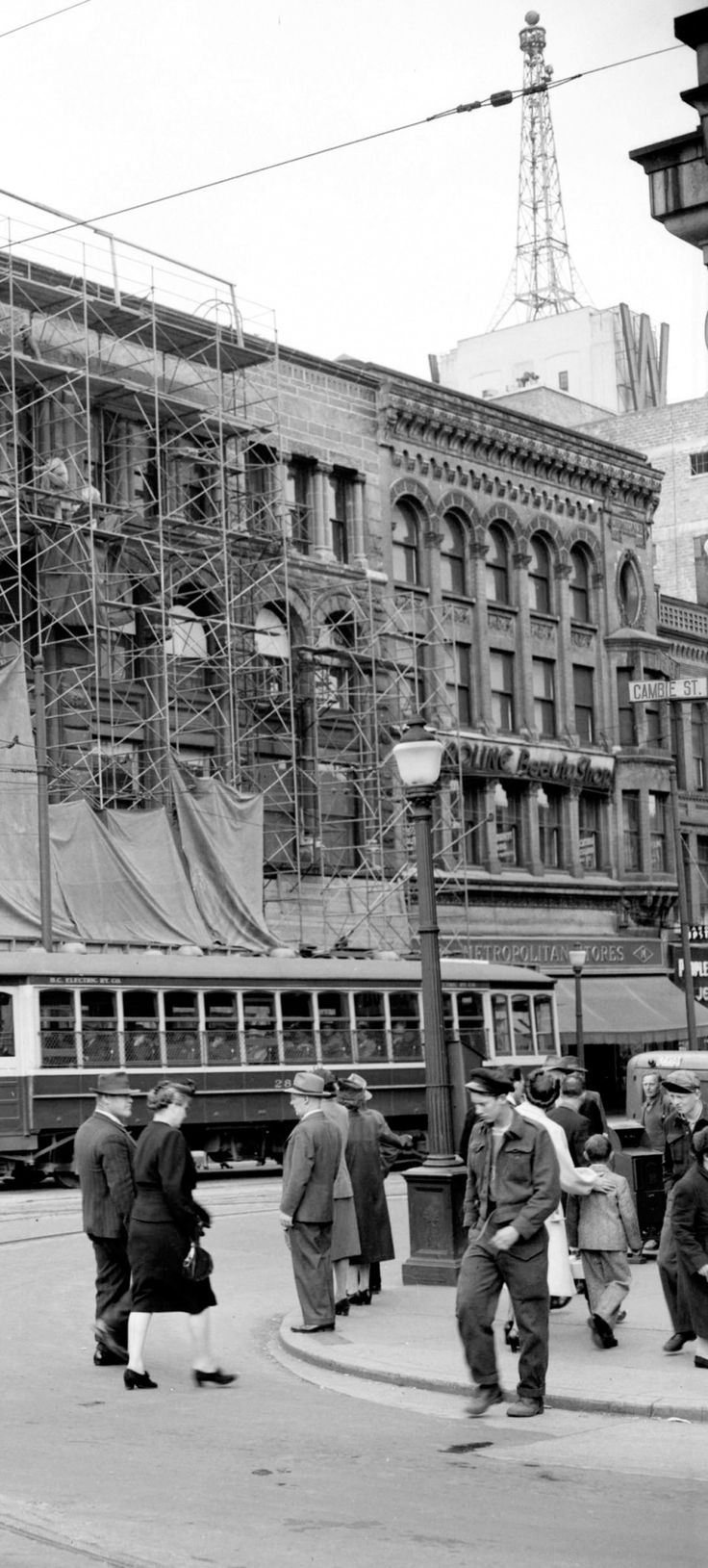 Cambie & West Hastings, ca. 1947 Source: Photo by Jack Lindsay (cropped), City of Vancouver Archives #1184-1928