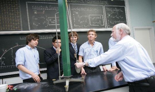 IB boarding schools: http://best-boarding-schools.net/ib-boarding-schools