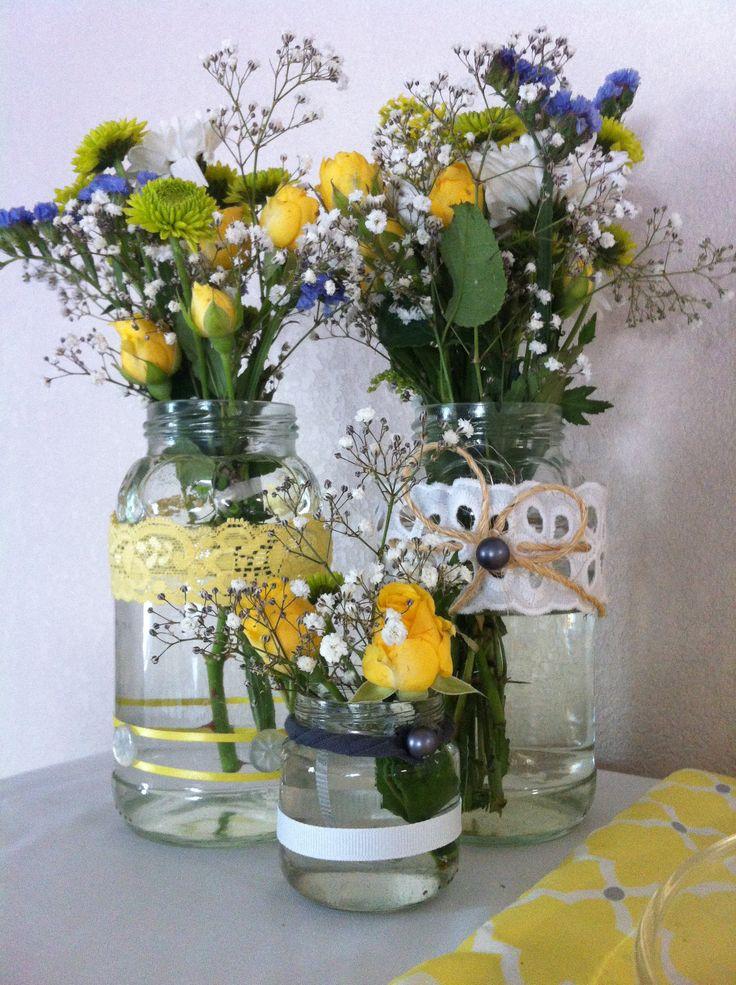 Mason jar flower arrangements aaron and halies wedding for How to arrange flowers in mason jar