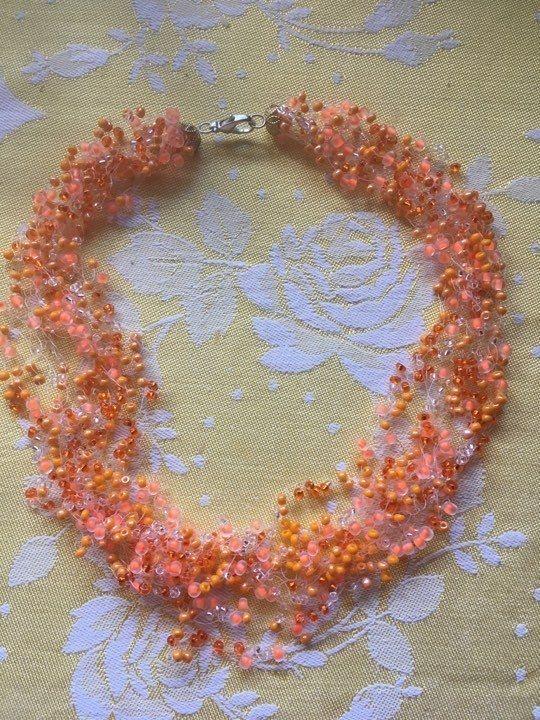 S+kousky+pomeranče+Korálková+motanice+.Krásný+doplněk+na+společenskou+událost+,+svatbu+,+k+letním+šatům.