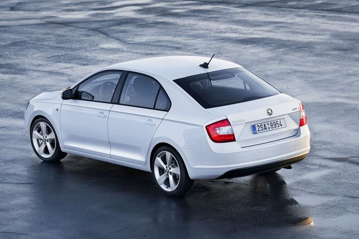 Škoda Rapid - back