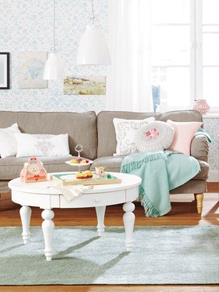 welche m bel farben und deko sind angesagt wohnzimmer pinterest landh user stickerei. Black Bedroom Furniture Sets. Home Design Ideas