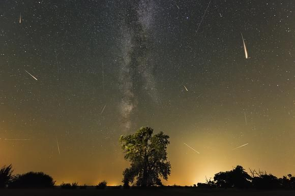 The Milky Way and the Perseids