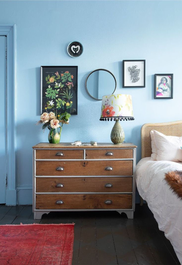 Moody hues combined with bright color pops and beautiful historic details in an Edinburgh apartment Color Pop, Interior, Dream Decor, Home, Home Deco, Room Decor, Tiny Studio, Inspiration, Dresser As Nightstand