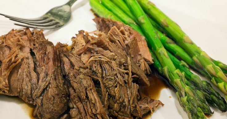 A topside cut of beef, from the back of a cow's leg, is ideal as a pot roast and suitable for the slow cooker. A 100-gram serving of lean beef topside roast, which is about 3.5 ounces, contains 124 calories and 4 g of total fat. It has no cholesterol and provides 22.3 g of protein to your diet. Cook a topside cut of beef all day in the slow...