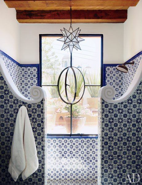 Tile in the guest bath of Andrew Fisher and Jeffry Weisman's San Miguel de Allende home was produced in the nearby city of Dolores Hidalgo.