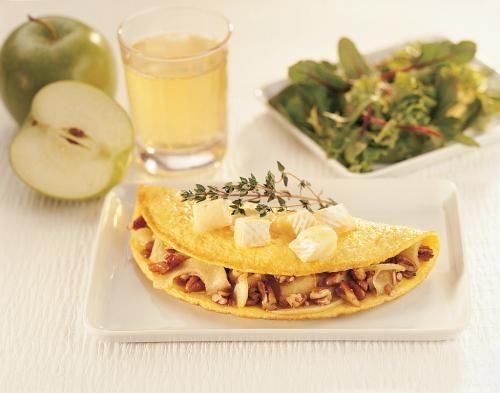Omelette au brie et pomme