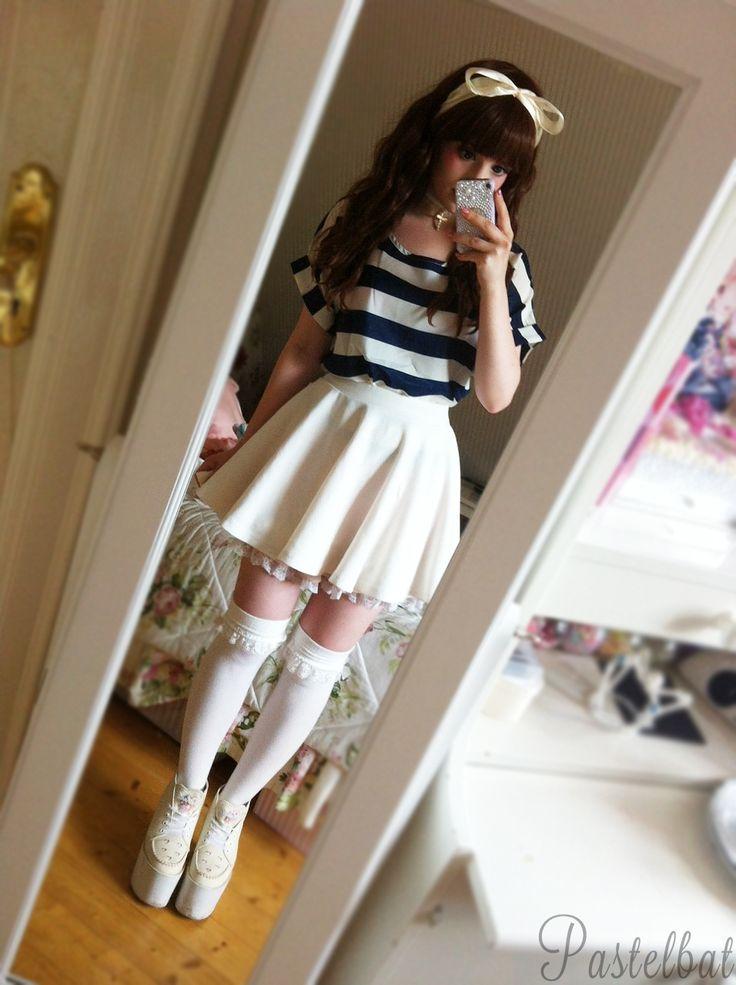 Kinda simple but i liked it; v; T-shirt: SheinsideChoker: HandmadeSkirt: eBayUnder skirt: dream vsWig & socks: TaobaoShoes:Swankiss