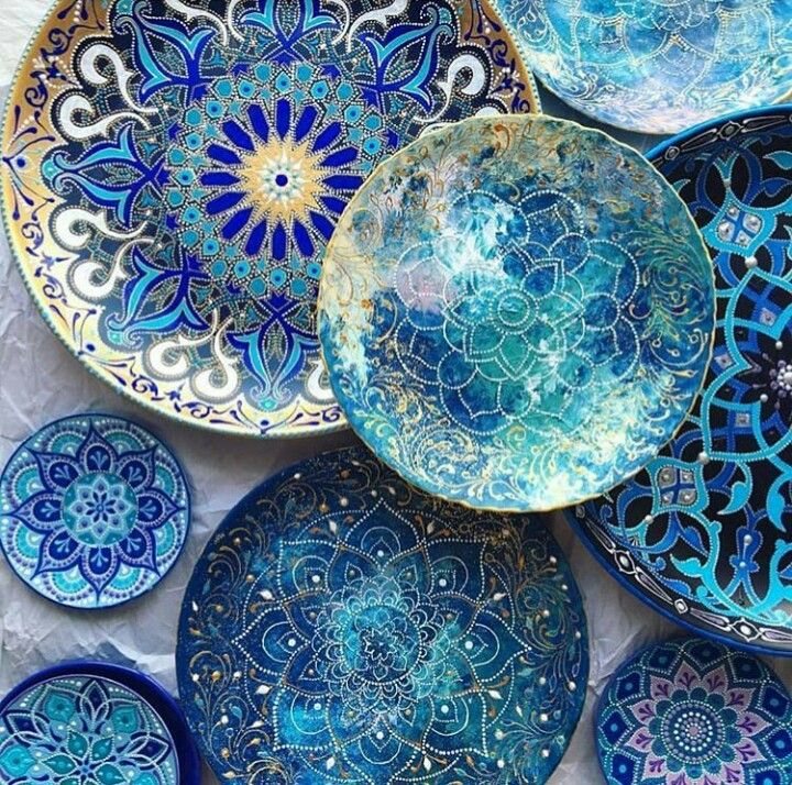 I like the different blues and hope to make the glaze turn out similar to this