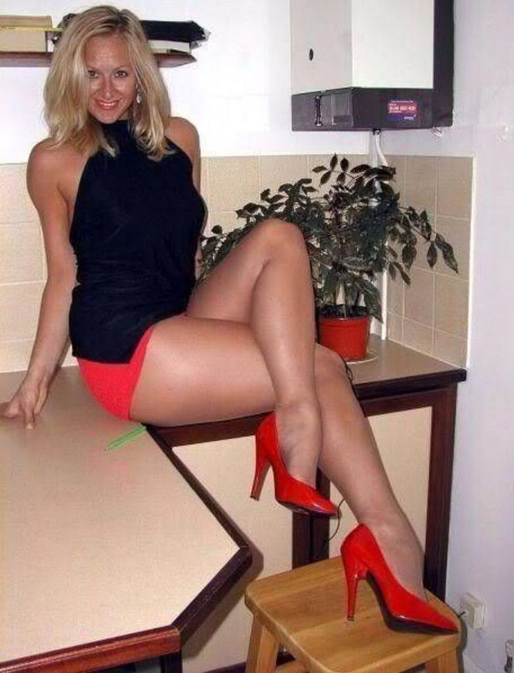 Moms With Sexy Legs