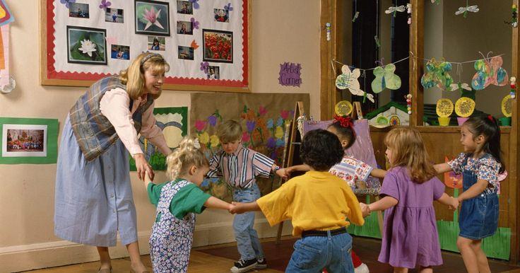 Juegos de más alto y más bajo para preescolar. Los niños de preescolar están aprendiendo más sobre sí mismos y su mundo todos los días. Cuándo entran en la escuela, se encuentran con que los niños de su edad no son todos del mismo tamaño. Puedes utilizar las diferentes alturas de los niños, así como algunos objetos, en los juegos para enseñar a los estudiantes lo que significa más alto y más ...