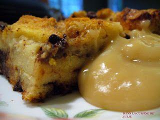 DANS LA CUISINE DE JULIE: Mon pouding au pain et à la sauce d'érable de Clodine