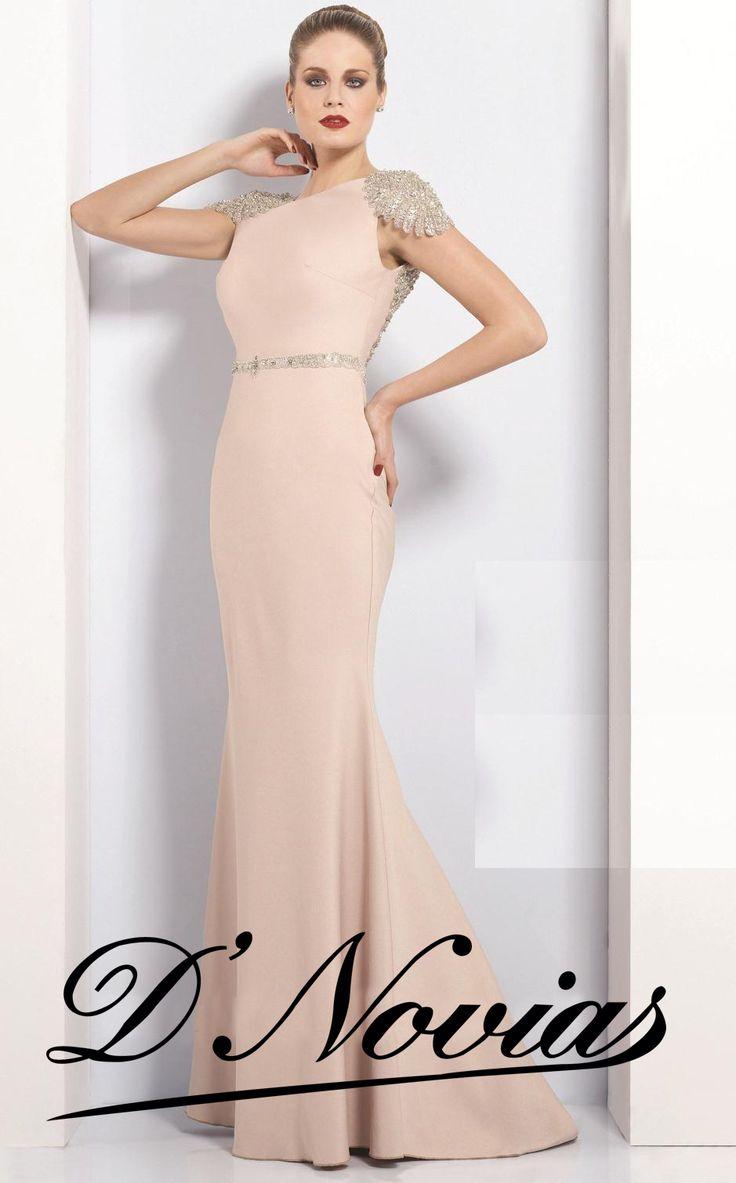 Elegante vestido en seda color palo de rosa con apliques de piedreria, una verdadera joya!!