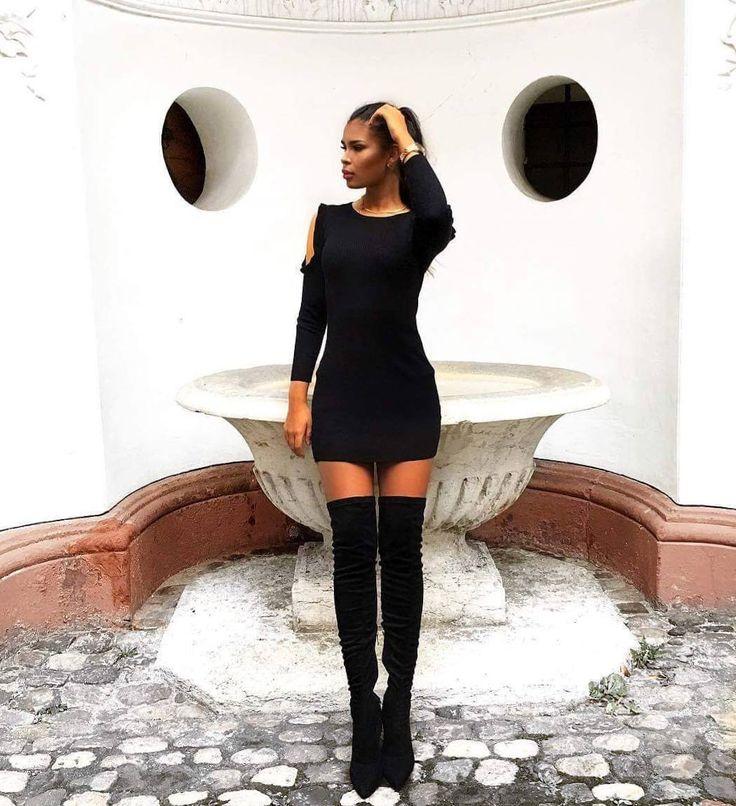 SHOW YOUR LEGS! WE ❤ OVERKNEE BOOTS! 🛍️ Get them now in our Online Shop 🛍️ www.supermauro.ch  Shop our Insta-Feed #linkinbio  #supermaurolove #repost #instagram @zera_nola #overknee #swissonlineshop #swissblogger #switzerland #zürich #bern #rapperswil #oerlikon #spreitenbach #shoppitivoli #stiefel #boots #schuhe