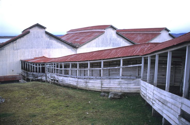 Sheep Farm buildings inspiration for design of Remota Hotel in Patagonia / German del Sol | ArchDaily