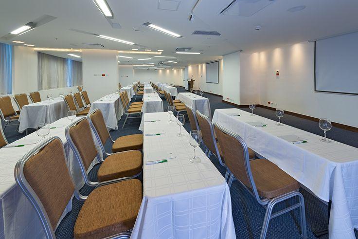 """""""Salón Bahia"""" con capacidad para 200 personas es el lugar ideal para tu #Evento, #Grado, #Fiesta, Celebración, #Matrimonio #Reuniones #Eventos #Congresos #Hotel Reservas: reservations.ctghi@ihg.com"""