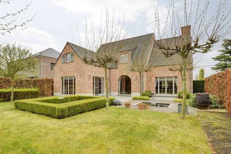 621 best stijlvol wonen images on pinterest exterior for Huizen te koop duffel