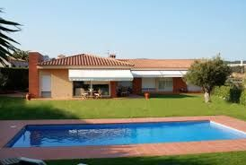 Would you like to spend holidays in Spain, you can book a Spanish holiday villa to enjoy your vacations. Spanish villas are exquisite and extensive and give you a chance to enjoy your holidays extravagantly.