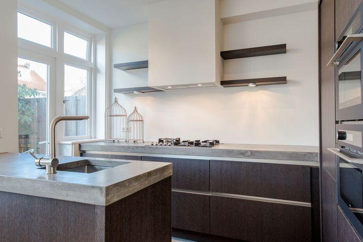 Jaren30woningen.nl   Moderne keuken voor een #jaren30 woning