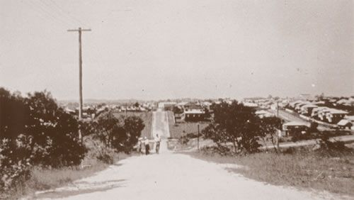 Looking down Newdegate Street. On the left, the site of the hospital prior to work commencing, late 1930s.