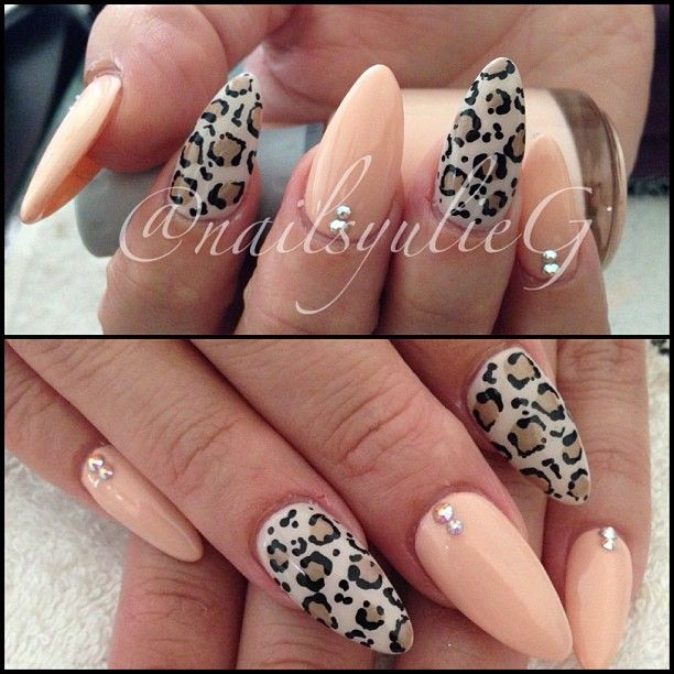 Almond Nail Art @nailsyulieg (yulie Gonzalez) 's Instagram photos | Webstagram - the best Instagram viewer