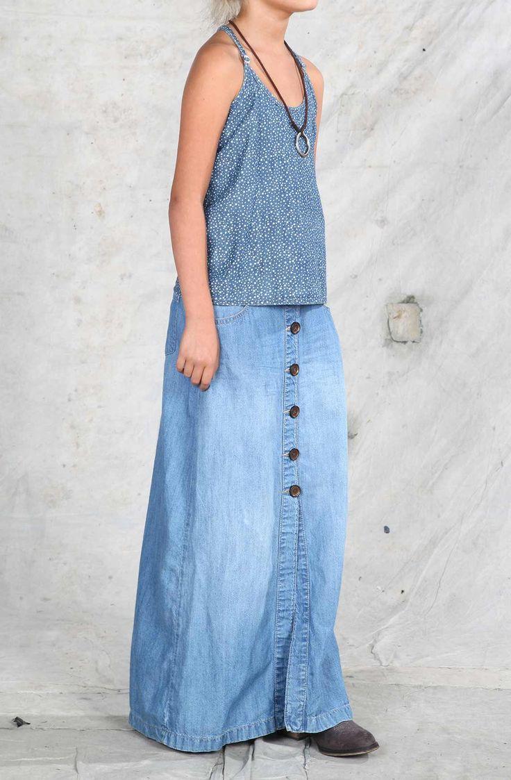 Falda de niña en índigo, larga con botones. Compra en la tienda On Line tennis.c. Compra en la tienda On Line tennis.com.co - tennis