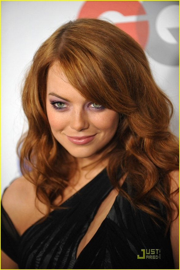 Big and glamorous hair curls and side sweep bang. For a softer effect, best done using hot rollers. #hairstyle