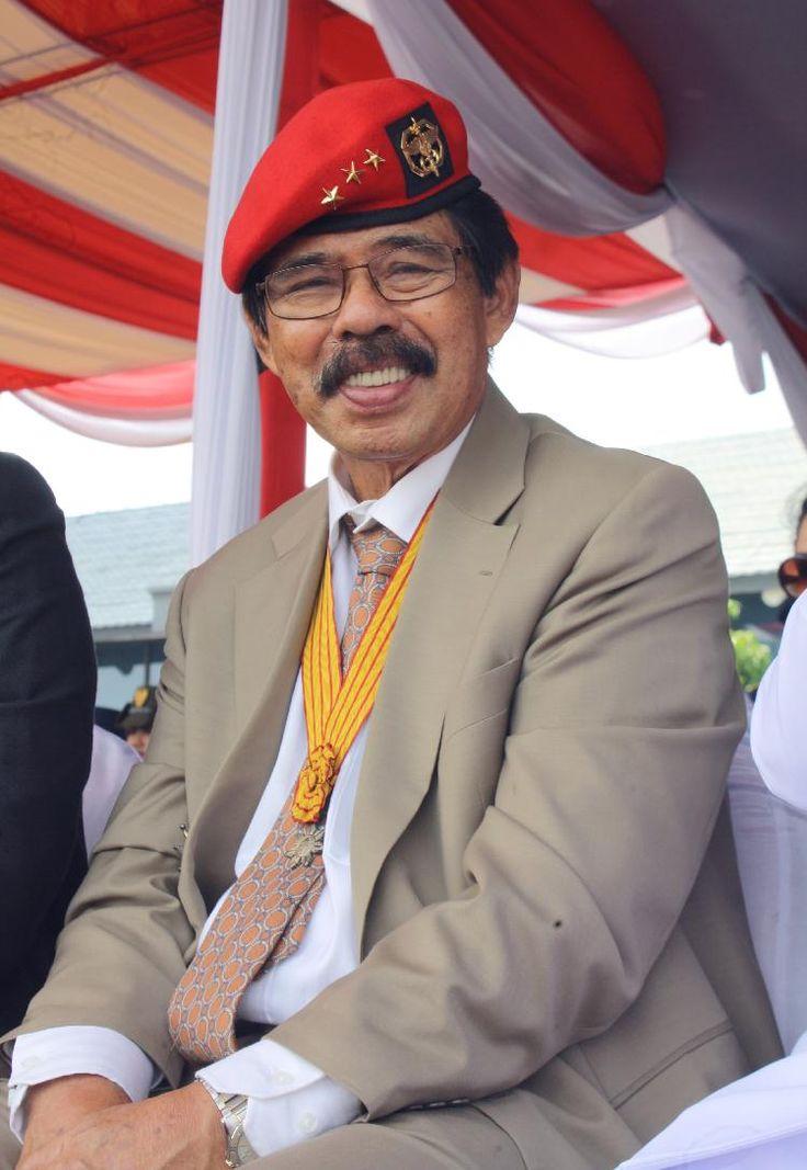 Sintong Panjaitan di HUT TNI ke 69 Surabaya 07/10/2014