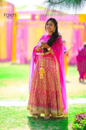 Fateh Productions Weddig Bridal Lehenga - Bride in Gold Saree information on WeddingNet #weddingnet #indianwedding #indianbride #indianwedding #bridallehenga #lehenga #pink #gold #beige #weddinglehenga #weddingsaree #bride #gown