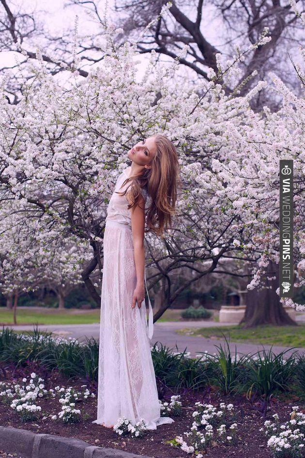 Karen Willis Holmes Exquisite Wedding Dress | CHECK OUT MORE IDEAS AT WEDDINGPINS.NET | #weddings #weddinginspiration #inspirational